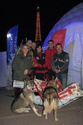 Paris On Ice Trocadero Orcieres Merlette 1850 Champsaur Hautes Alpes Alpi Traineau Chiens de traineaux